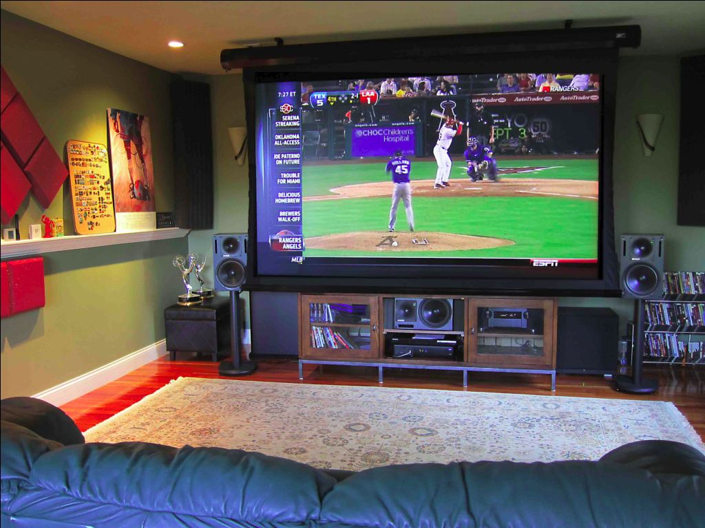 Best Projectors For Watching Summer Time Major League Baseball